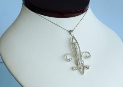unique vintage necklace in louisville